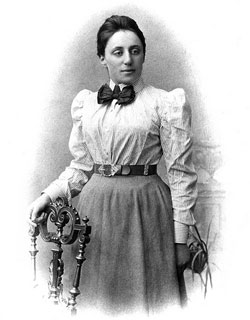 Emmy Noether (1882-1935)