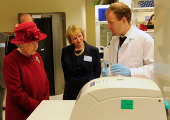 Her Majesty The Queen opens SITraN at the University of Sheffield