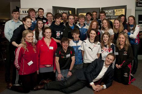 Group shot of 2012 ESPS Scholars with Dan Walker