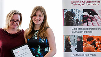 Rachael Venables receives her media law award at the NCTJ conference
