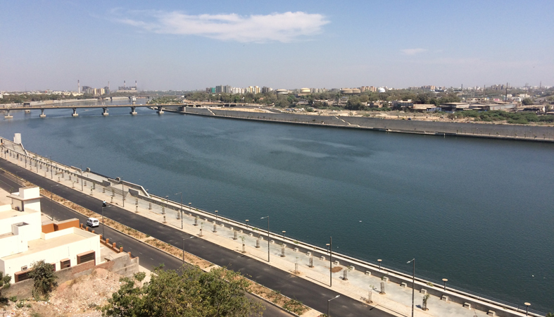 The Sabarmati Riverfront – a landscape dominated by concrete and shade is scarce.
