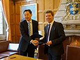 Seed fund agreement signing between University of Sheffield and Nanjing University