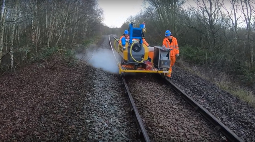 The new solution being tested on a railway line