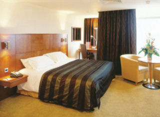 Photo: Mercure St. Paul's Hotel and Spa