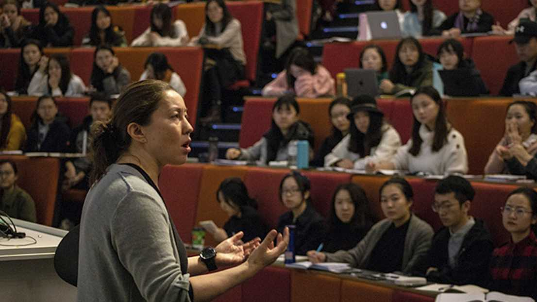 A guest at International Journalism Week addressing students in a lecture theatre.