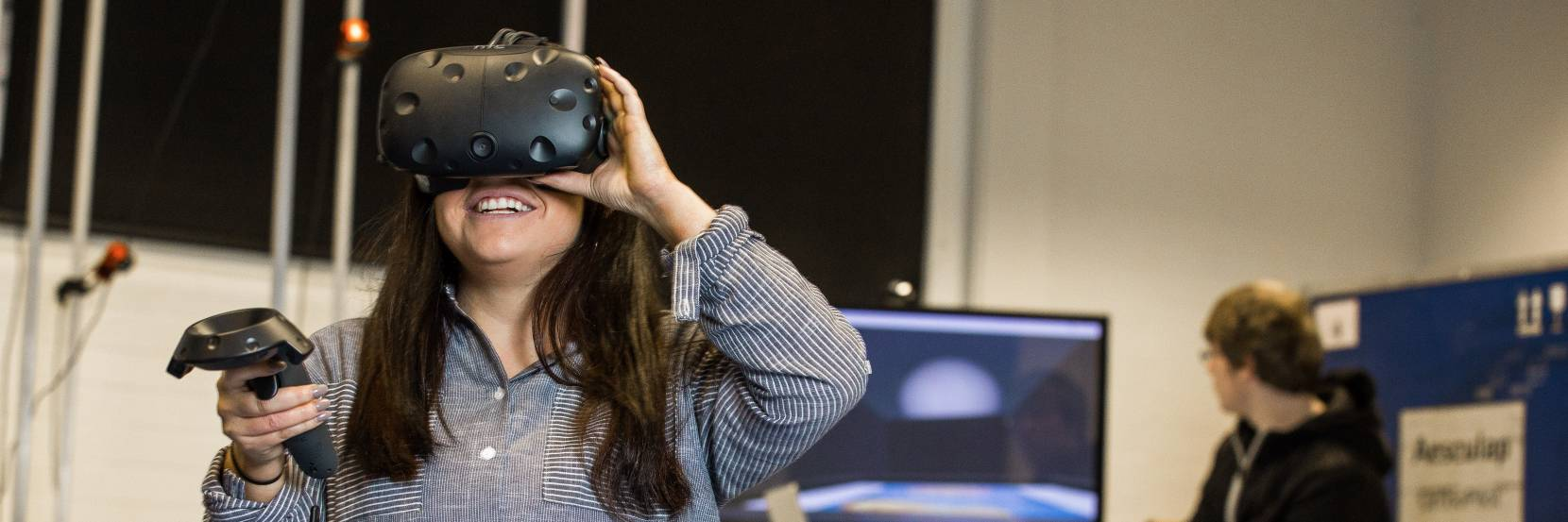 Students trial virtual reality simulators in the lab