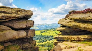 peak district - stanage rocks