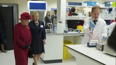Her Majesty The Queen with Professor Dame Pamela Shaw at the opening of SITraN in 2010