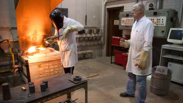 Glass making at the Turner Glass Museum